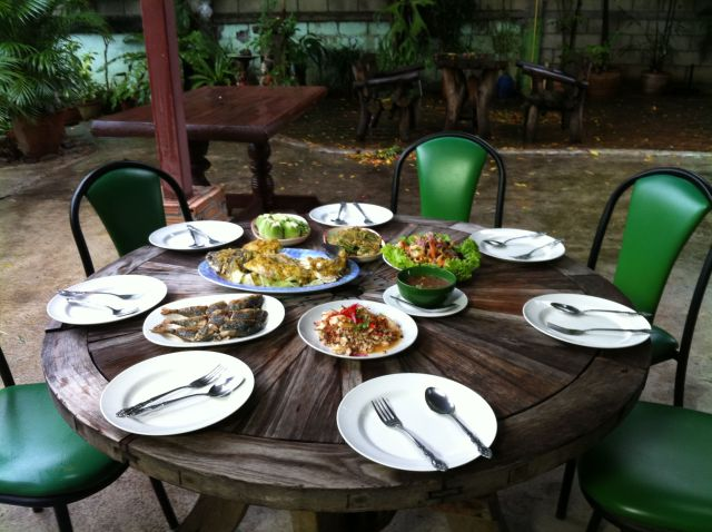 puong thong table